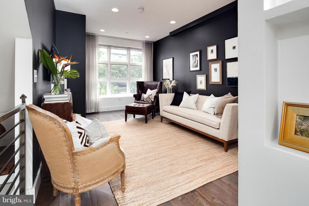 Living Room - 1166 ABBEY PL NE #1, WASHINGTON