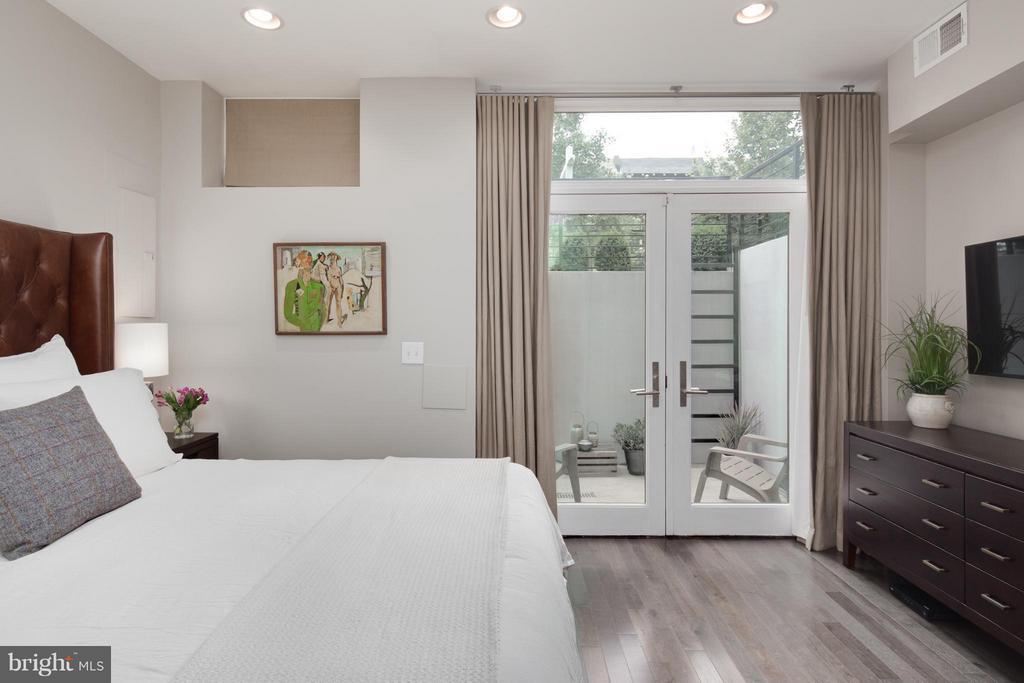 Bedroom (Master) - 1166 ABBEY PL NE #1, WASHINGTON