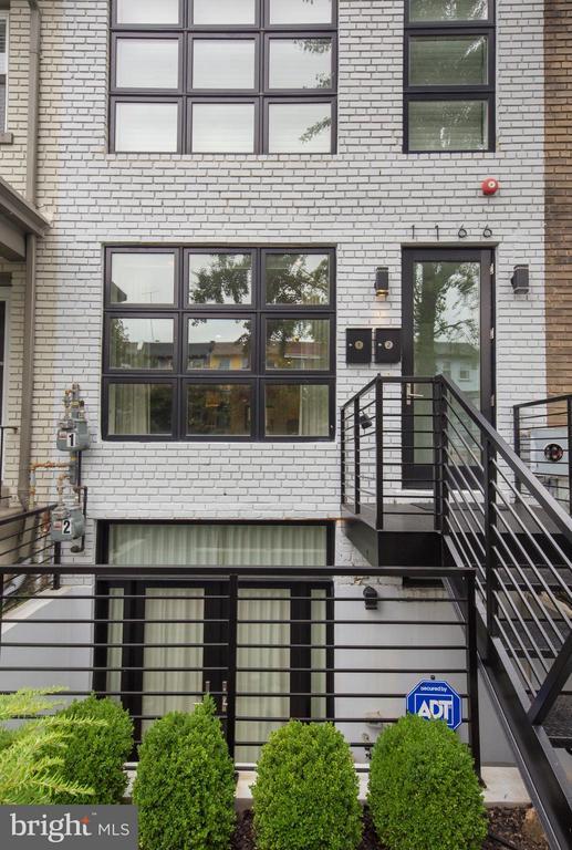 Exterior (Front) - 1166 ABBEY PL NE #1, WASHINGTON