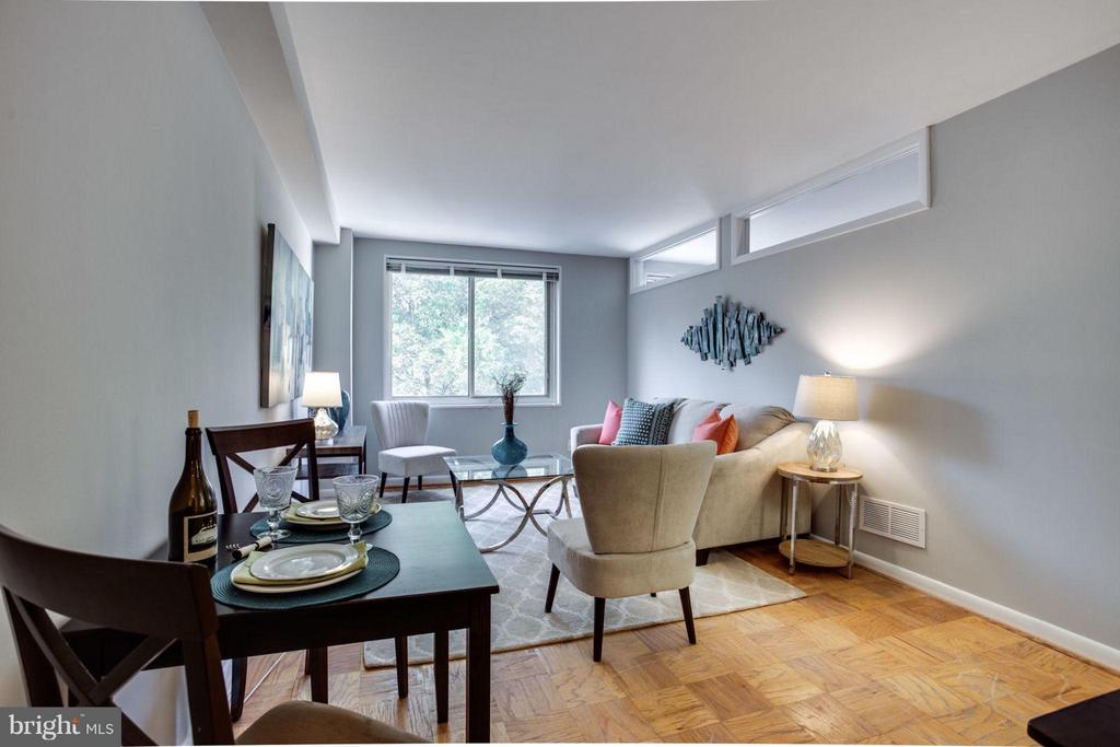 Room to relax, dine and entertain. - 5406 CONNECTICUT AVE NW #407, WASHINGTON