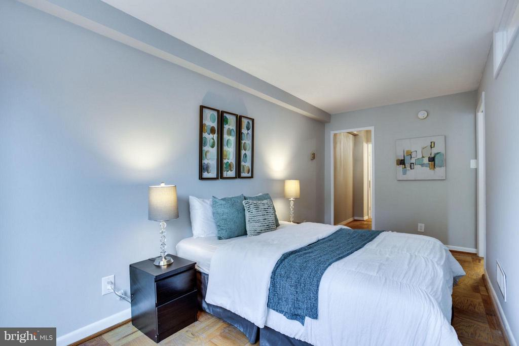 Easily fit a queen bed in the bedroom. - 5406 CONNECTICUT AVE NW #407, WASHINGTON