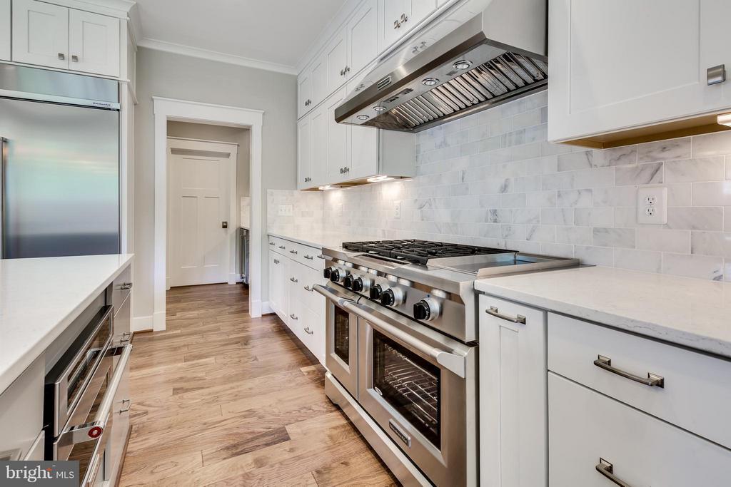 Kitchen - 4647 SPRUCE AVE, FAIRFAX