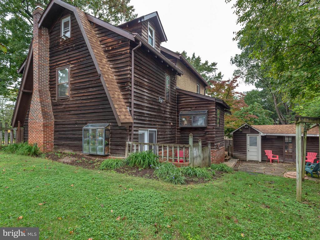 Big yard and patio - a great house! - 5601 42ND AVE, HYATTSVILLE