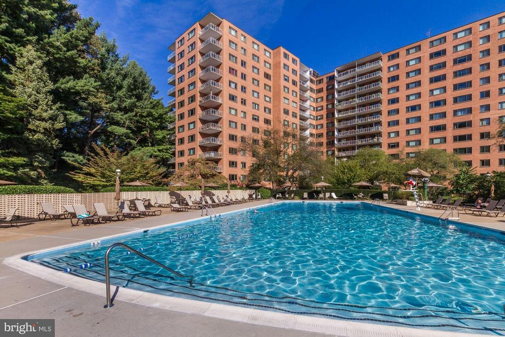 Swimming Pool - 4201 CATHEDRAL AVE NW #910E, WASHINGTON
