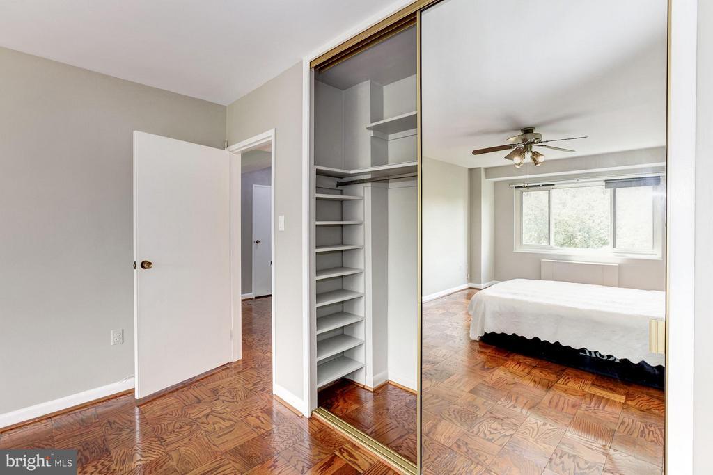 Shelved Closet - 4201 CATHEDRAL AVE NW #910E, WASHINGTON