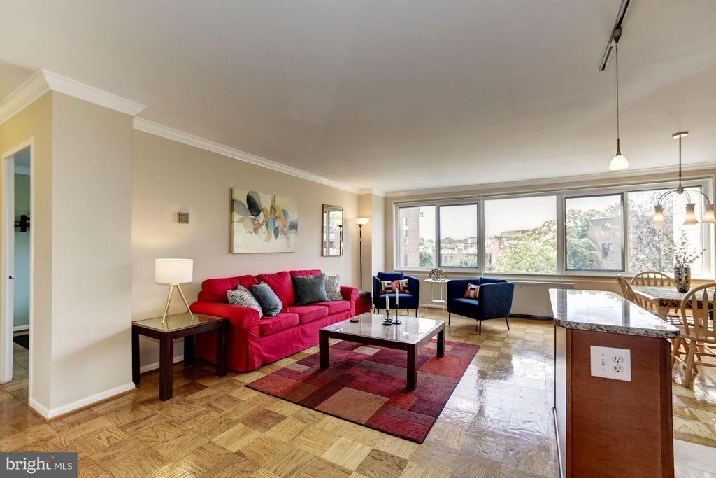 Living Room - 1330 NEW HAMPSHIRE AVE NW #425, WASHINGTON