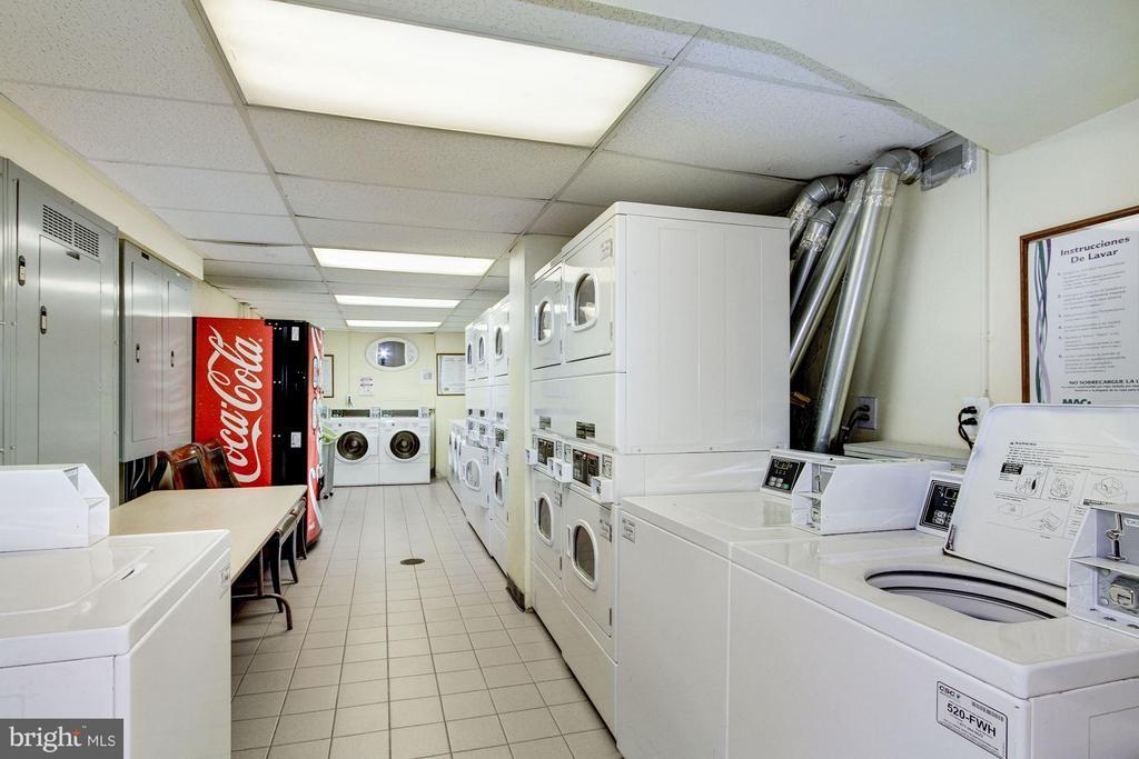 Community Laundry - 1330 NEW HAMPSHIRE AVE NW #425, WASHINGTON