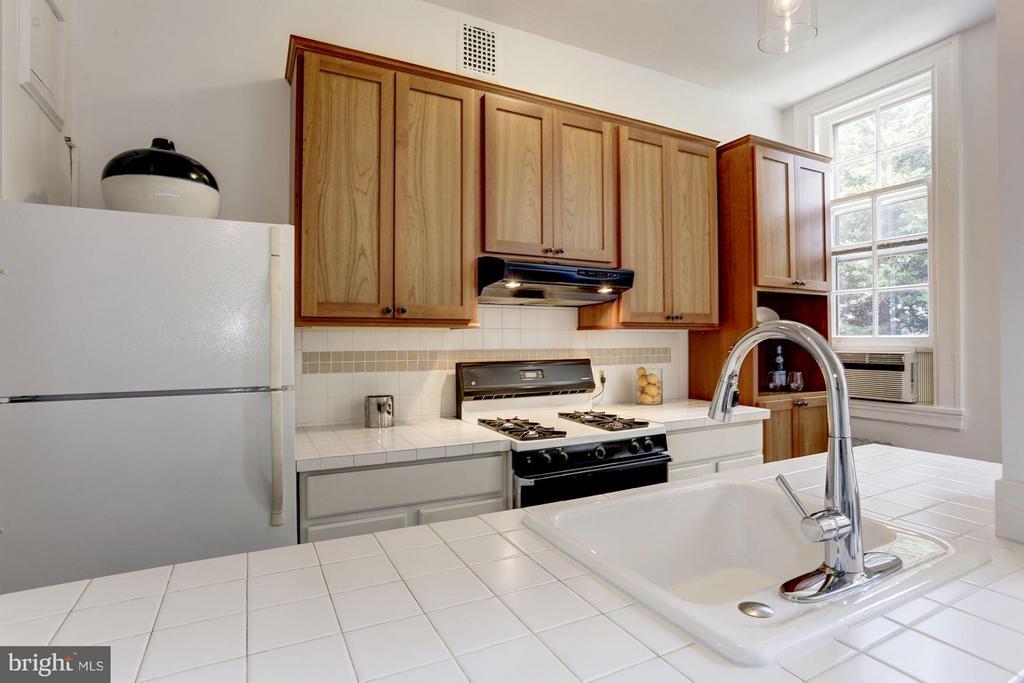 Kitchen - 3039 MACOMB ST NW #23, WASHINGTON