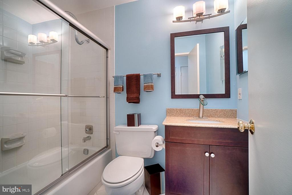Hall Bath #1 - 2 SPRINGER CT, BETHESDA