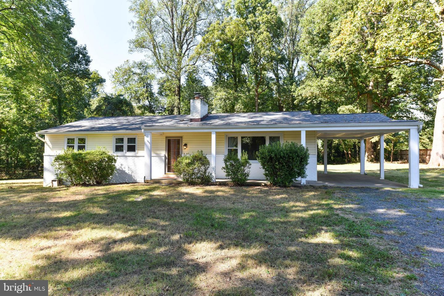 Single Family for Sale at 654 Walker Rd Great Falls, Virginia 22066 United States