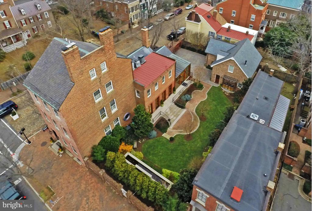 Aerial view of the grounds - 329 WASHINGTON ST N, ALEXANDRIA