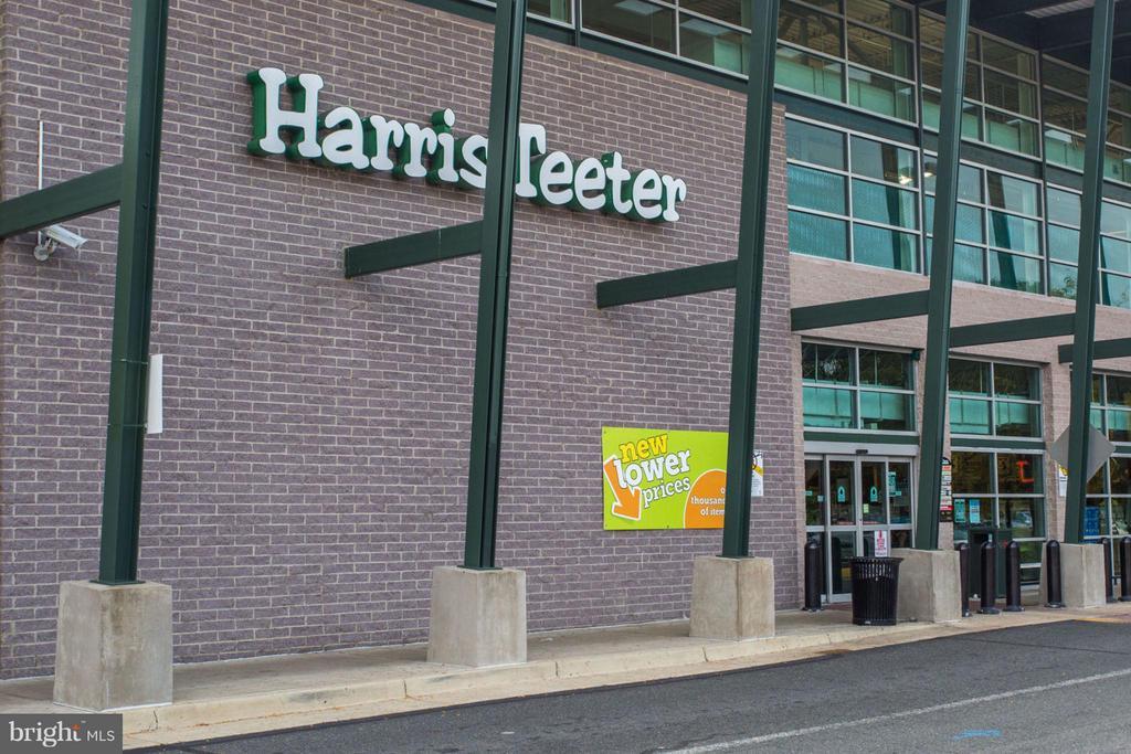 Shopping Nearby - 4141 HENDERSON RD #1004, ARLINGTON