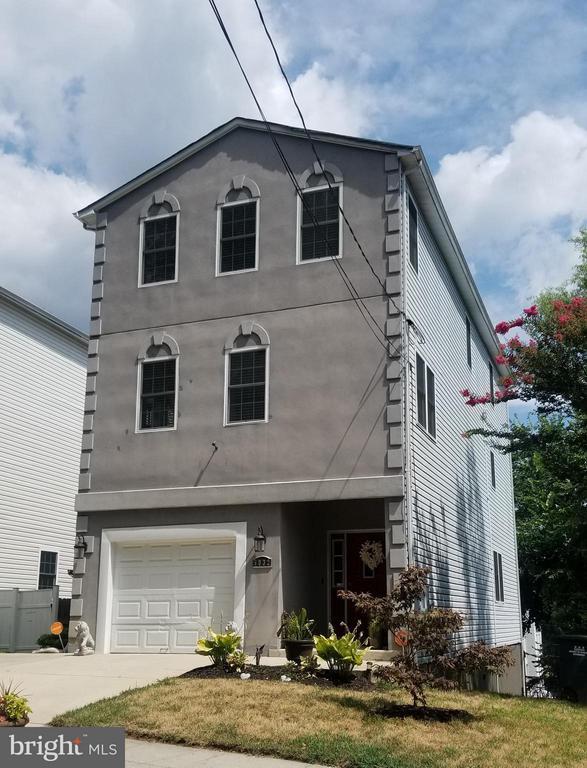 Exterior (Front) - 5032 A ST SE, WASHINGTON
