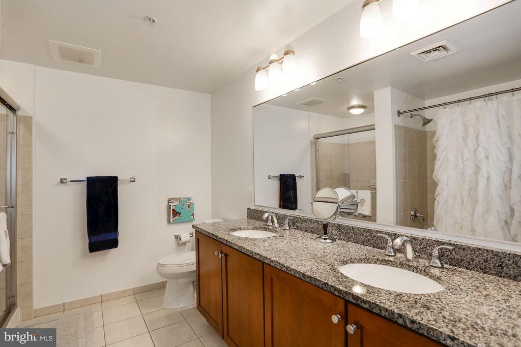 Master Bath granite dbl vanity - 1020 N HIGHLAND ST #222, ARLINGTON