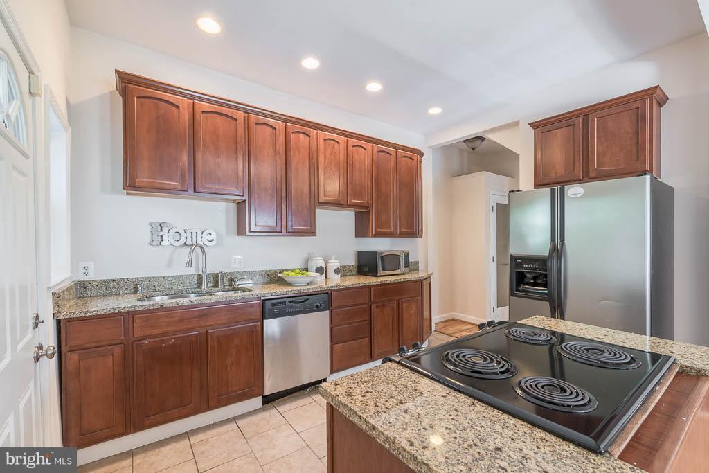 Kitchen - 1240 EVARTS ST NE, WASHINGTON