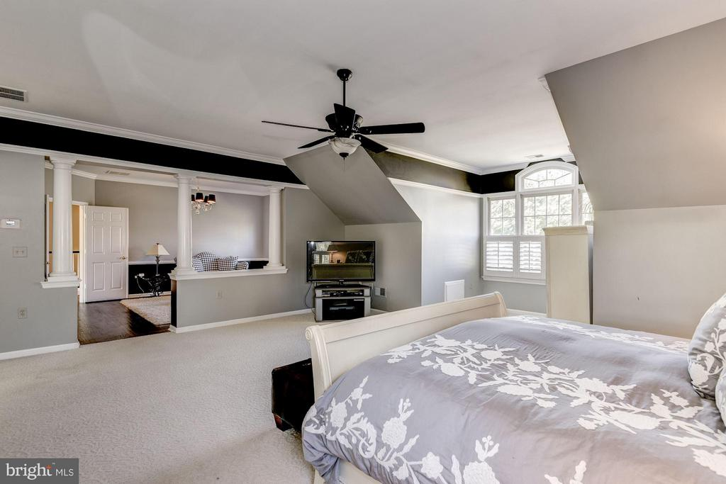 Bedroom (Master) - 7730 GREENTREE RD, BETHESDA