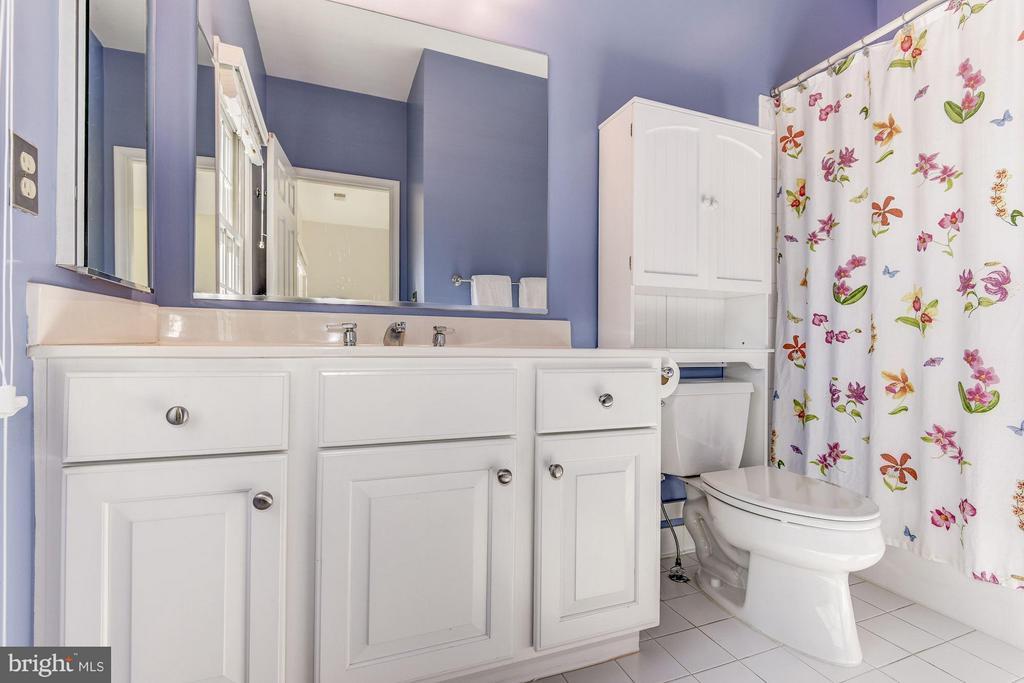 Second Level Bath - 7730 GREENTREE RD, BETHESDA