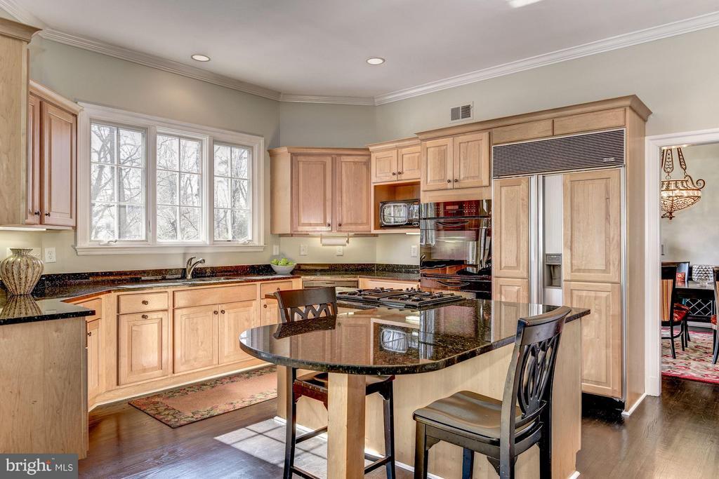 Kitchen - 7730 GREENTREE RD, BETHESDA