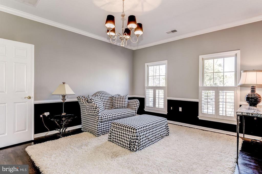 Bedroom (Master) Sitting Room - 7730 GREENTREE RD, BETHESDA