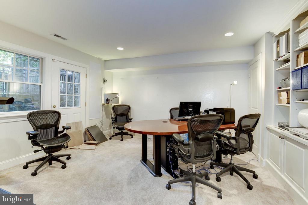 Au Pair or In-Law Suite - 4949 SHERIER PL NW, WASHINGTON