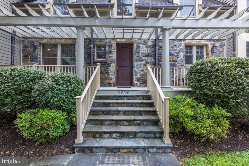 Handsome flagstone steps welcomes you open porch - 4949 SHERIER PL NW, WASHINGTON
