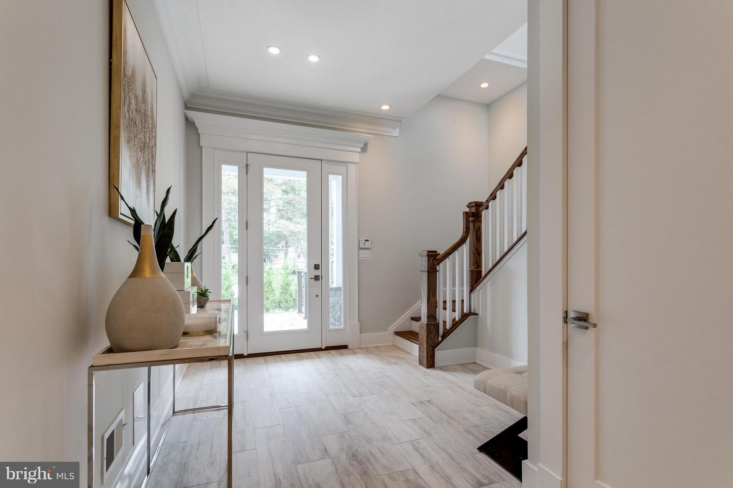 Additional photo for property listing at 3103 Manor Road 3103 Manor Road Falls Church, Virginia 22042 United States