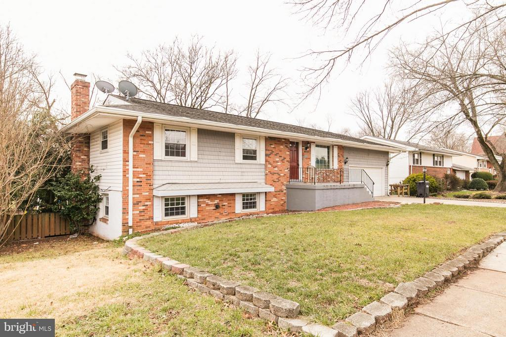 Exterior (General) - 46741 WINCHESTER DR, STERLING
