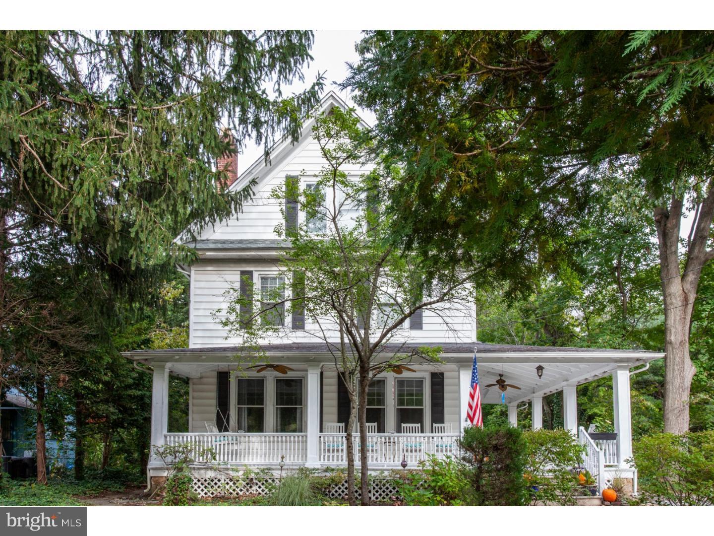 Nhà ở một gia đình vì Bán tại 1005 GLEN LAKE BLVD Pitman, New Jersey 08071 Hoa Kỳ