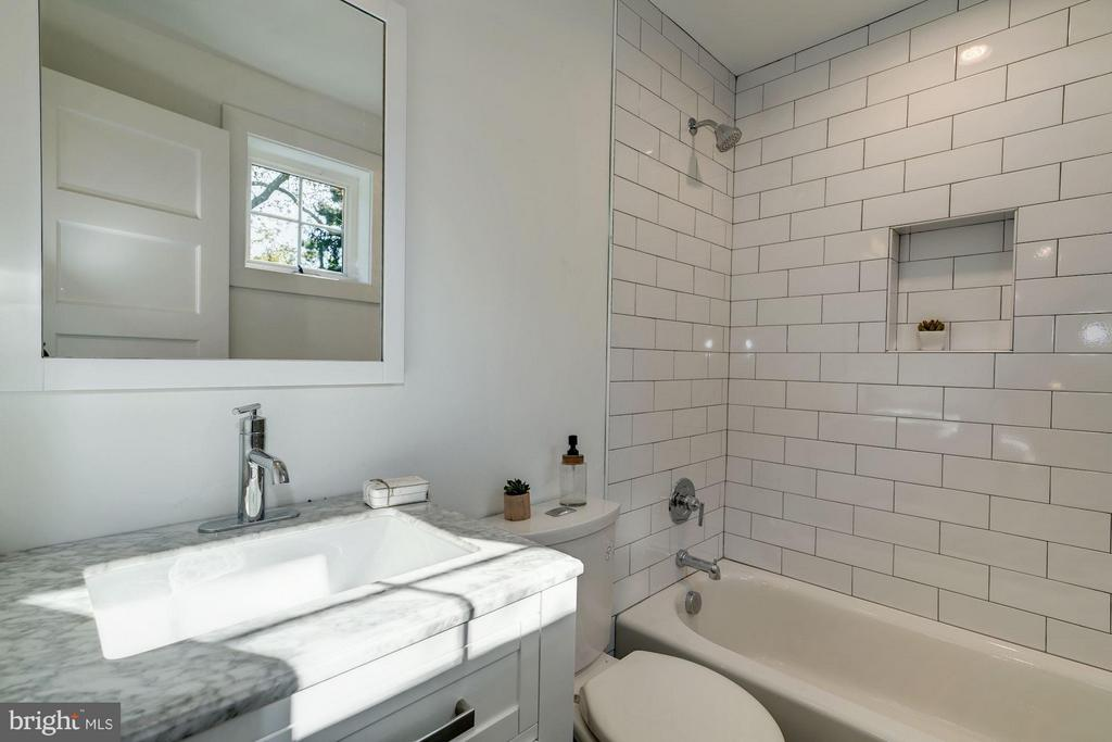 Bath - 3336 QUESADA ST NW, WASHINGTON