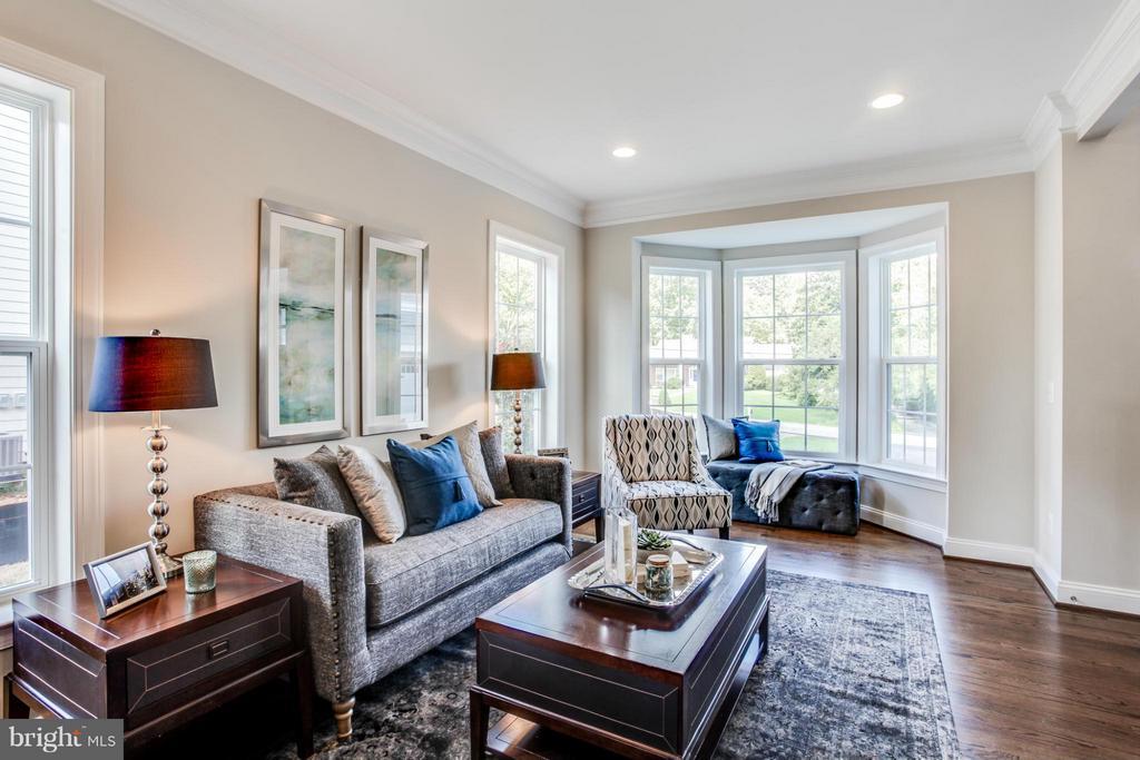 Living Room - 10718 SPRUCE ST, FAIRFAX