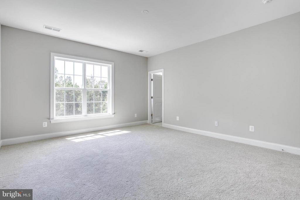 Bedroom - 10718 SPRUCE ST, FAIRFAX