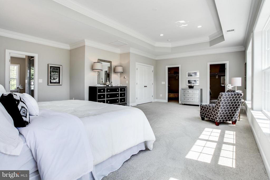 Bedroom (Master) - 10718 SPRUCE ST, FAIRFAX