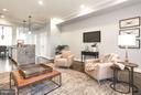 Cozy family room off of kitchen - 915 9TH ST NE, WASHINGTON