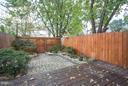 Low maintenance and well designed patio - 915 9TH ST NE, WASHINGTON
