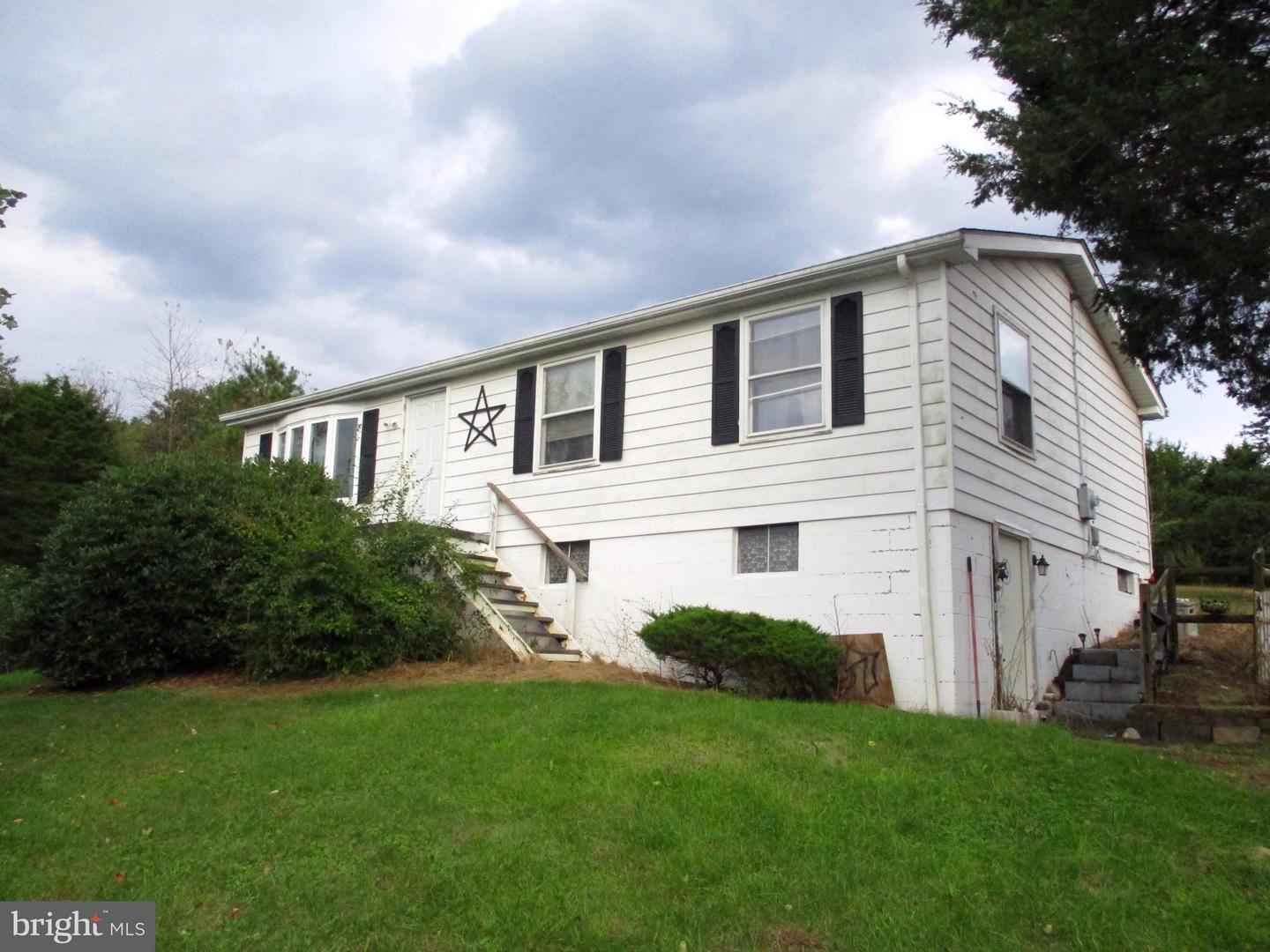 Single Family for Sale at 67 Meagans Ln Burlington, West Virginia 26710 United States