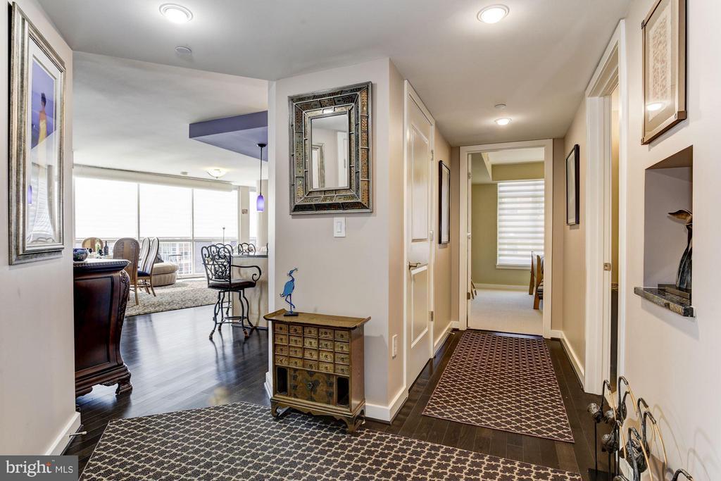 Living room left, guest bedroom/bath right - 1025 1ST ST SE #613, WASHINGTON