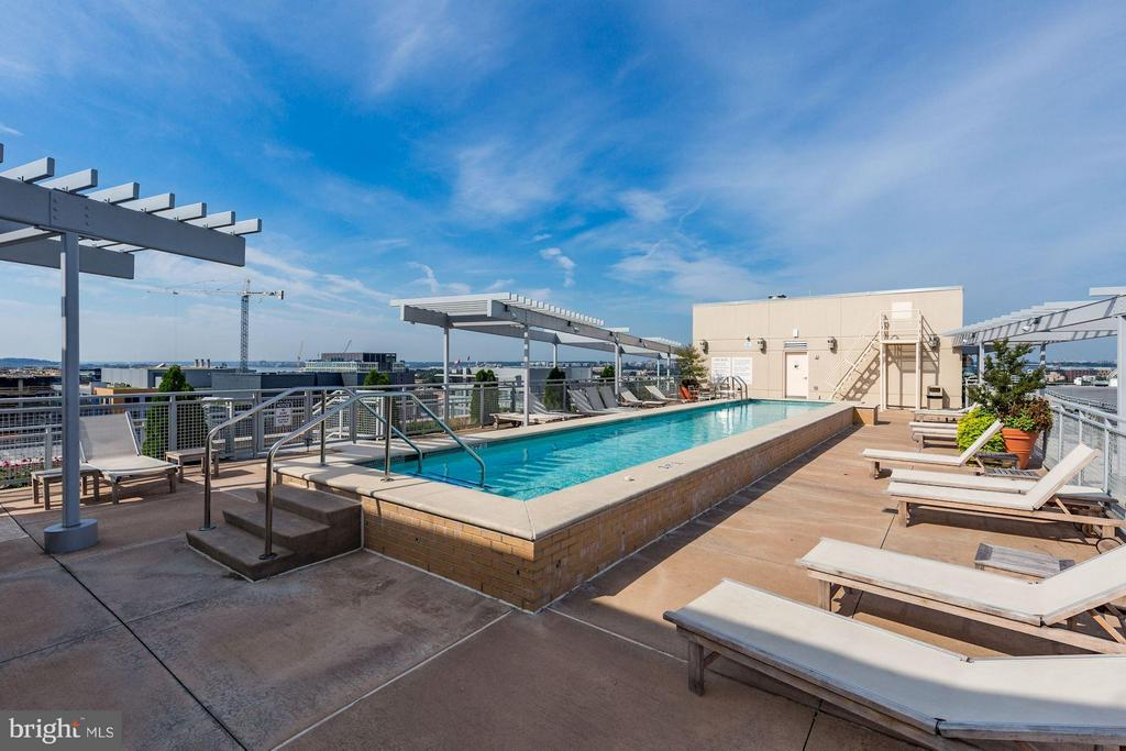 Rooftop pool with panoramic views of the city. - 1025 1ST ST SE #613, WASHINGTON