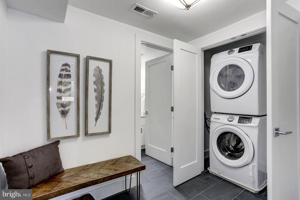 Laundry and mud room - 2620 MORELAND PL NW, WASHINGTON