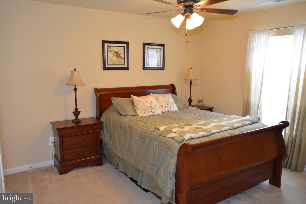 Guest Bedroom Upper Level - 21038 ATHENS ST, ASHBURN