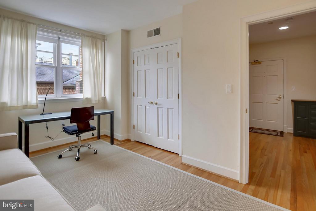 Bedroom Doubles as Study - 2125 S ST NW #PH1, WASHINGTON