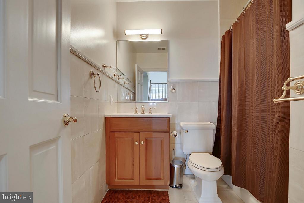 Bath - 2125 S ST NW #PH1, WASHINGTON