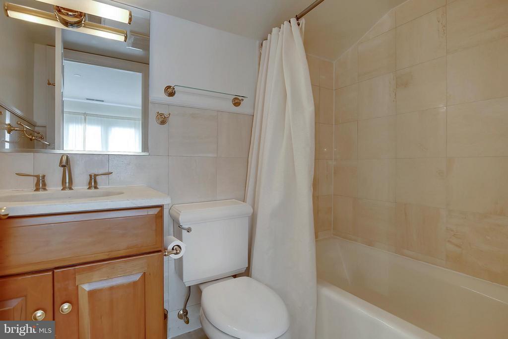 Bath (Master) - 2125 S ST NW #PH1, WASHINGTON