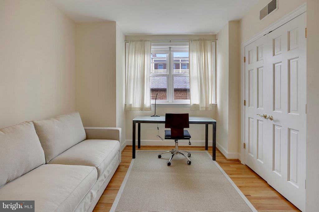 Main Level Bedroom - 2125 S ST NW #PH1, WASHINGTON