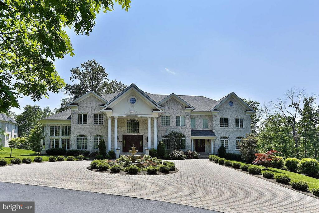 Exterior (Front) - 8701 OLD DOMINION DR, MCLEAN