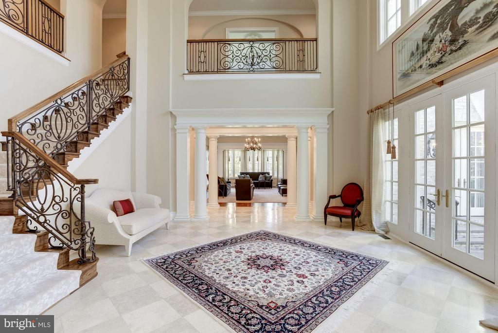 Center Hall Reception - 1179 ORLO DR, MCLEAN