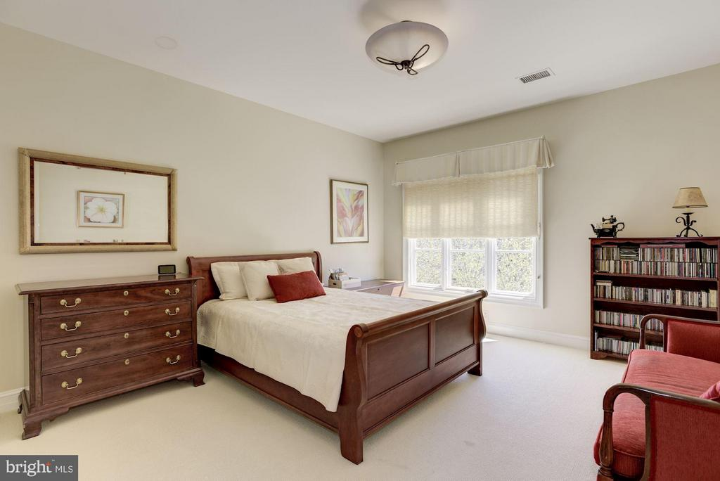 Bedroom - 1179 ORLO DR, MCLEAN