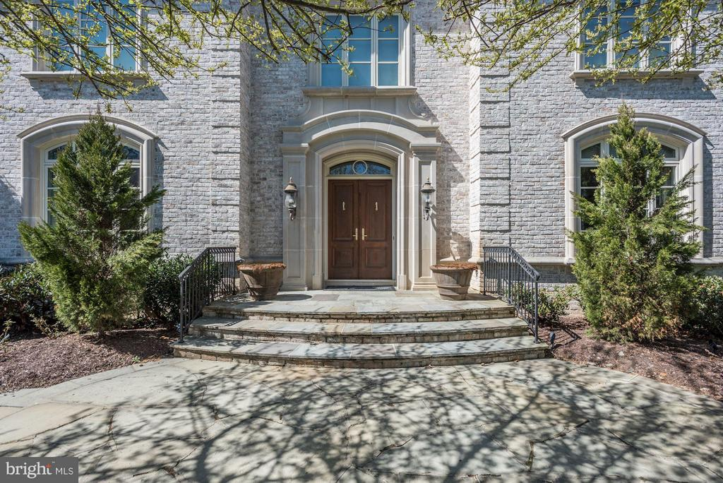 Exterior (Front) - 1179 ORLO DR, MCLEAN