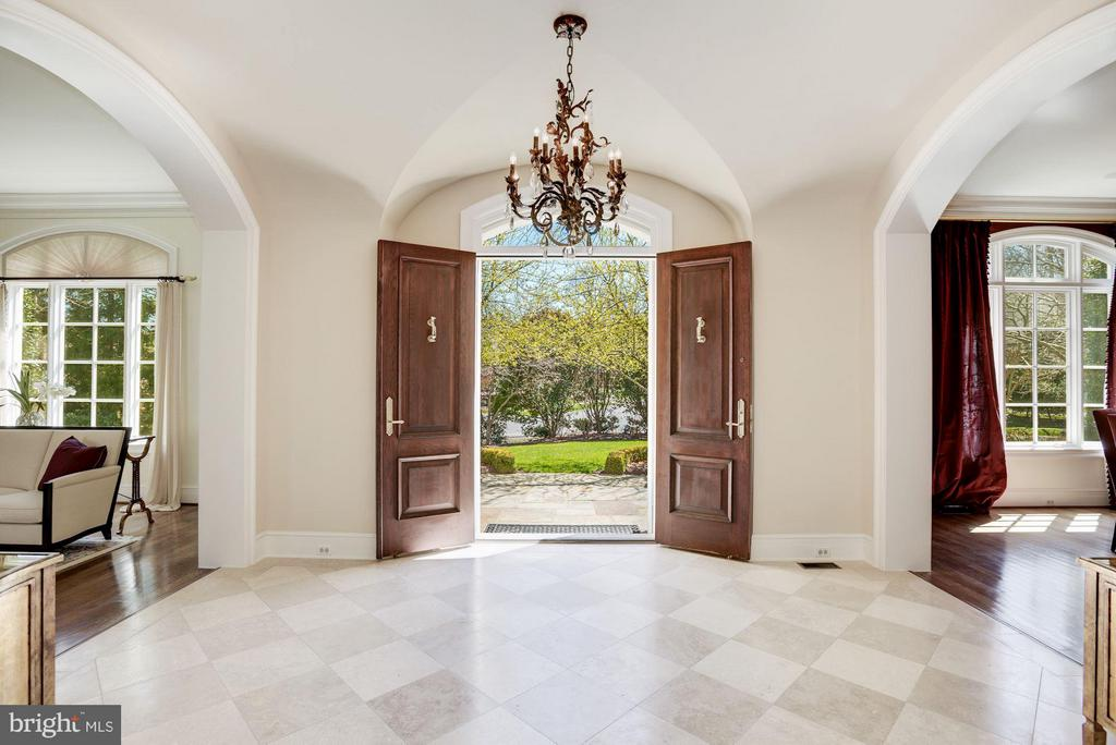 Foyer / Entry - 1179 ORLO DR, MCLEAN