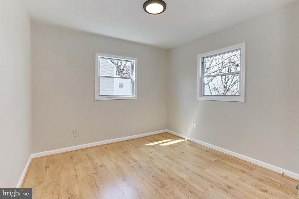 Bedroom (Master) - 107 RUNYON CT, MANASSAS PARK