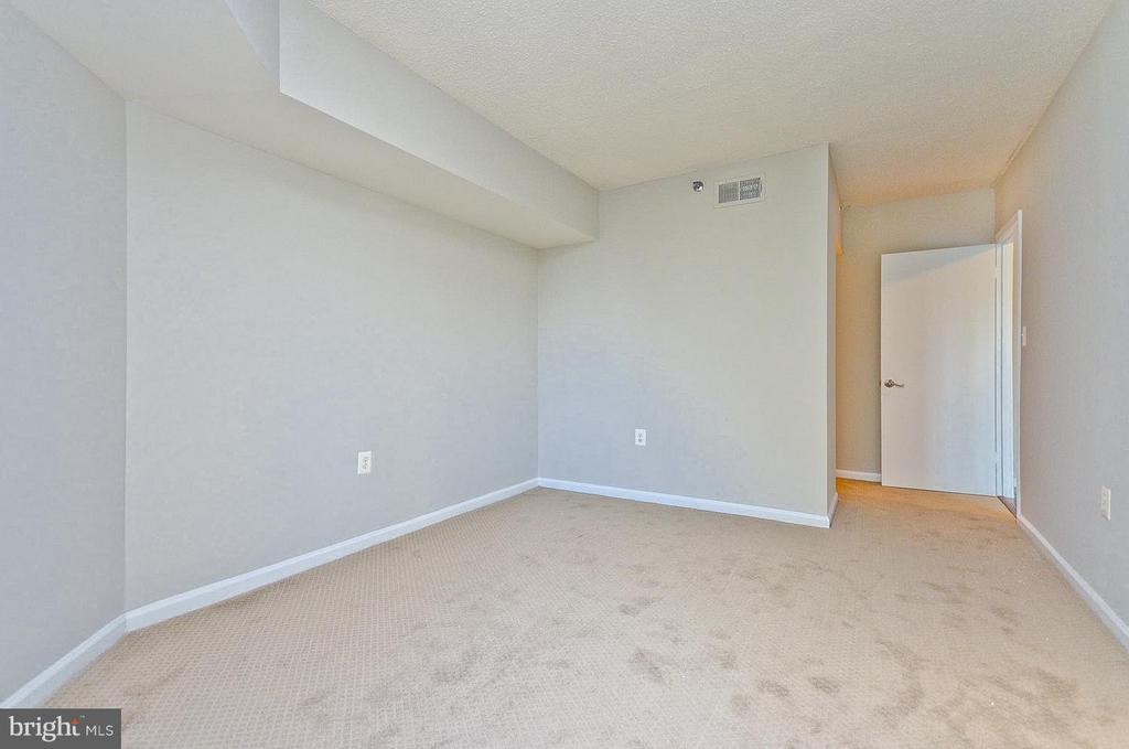 Bedroom (Master) - 1001 N RANDOLPH ST #419, ARLINGTON